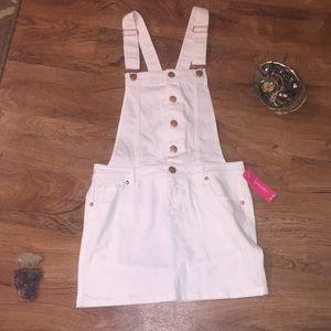 3/25$💫Small overall dress? Skirt?